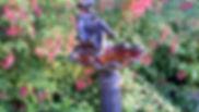 Au jardin le bain d'oiseau.