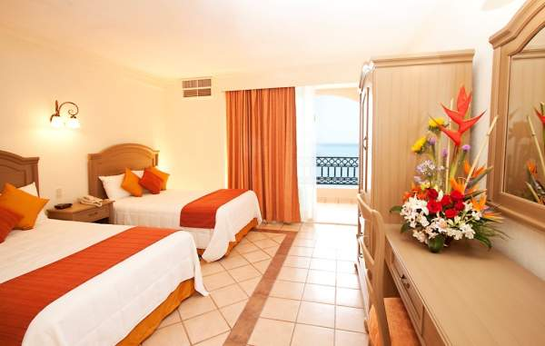 habitacion-golden-crown-paradise-puerto-vallarta