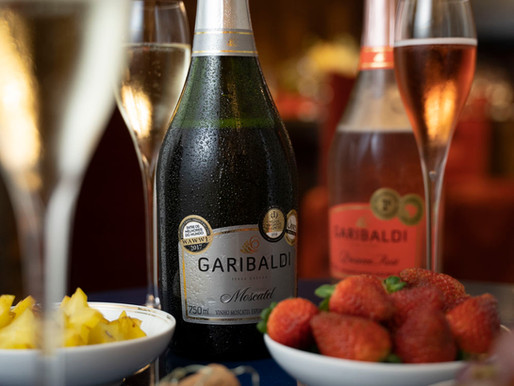 Descubra os vinhos e espumantes que mais combinam com seu amor para presentear no Dia dos Namorados