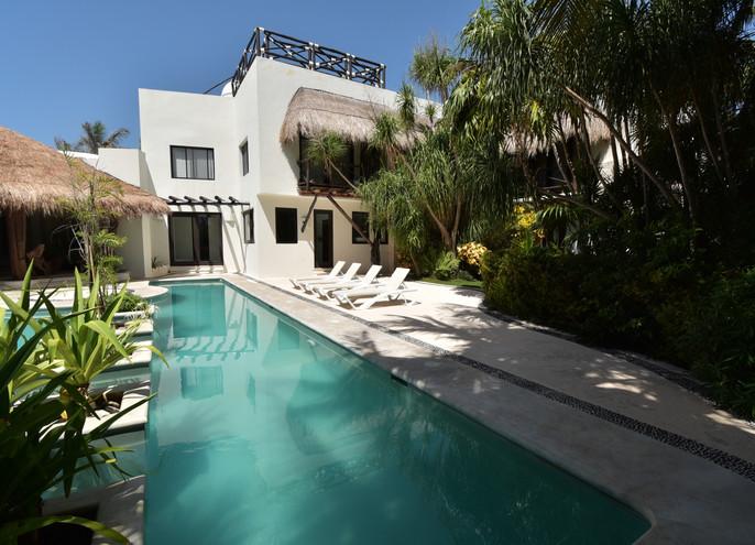 Casa De la Luz Swim.jpg