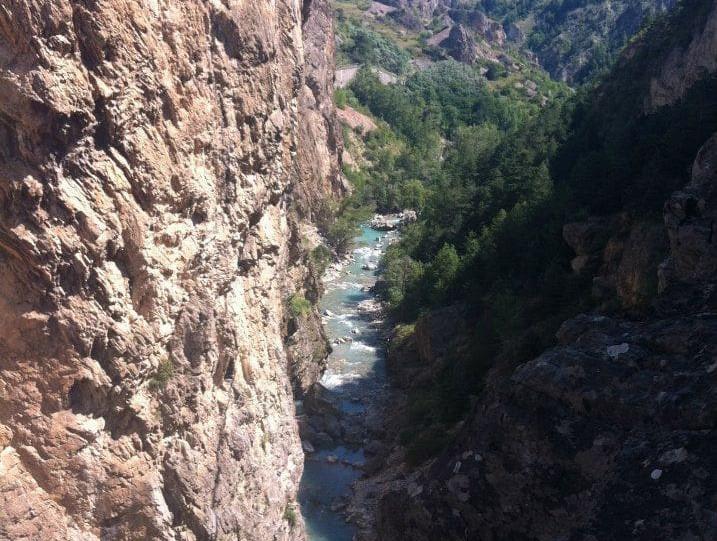 15 gorges de la Durance et sa via ferrat