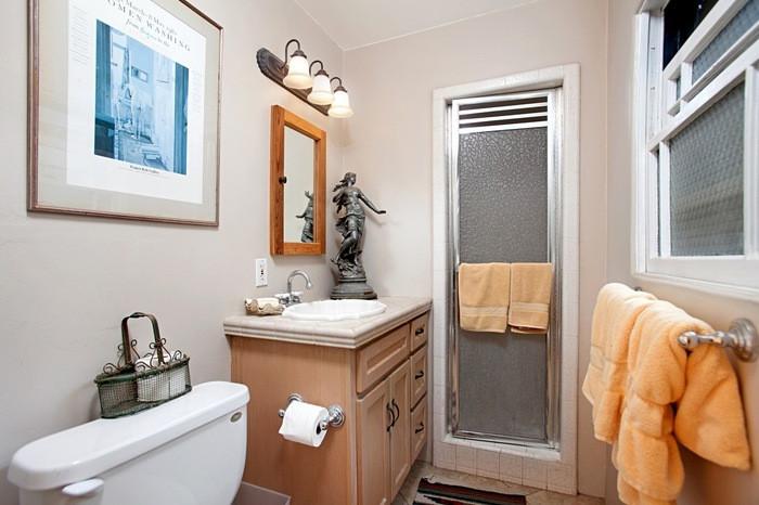 Before: Bathroom cabinet before refresh
