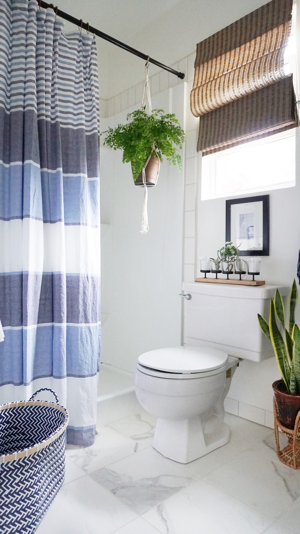 A Stylists Stylish Rental Bathroom Makeover