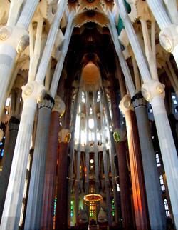 Gaudí architecture image 1