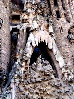 Gaudí architecture image 3