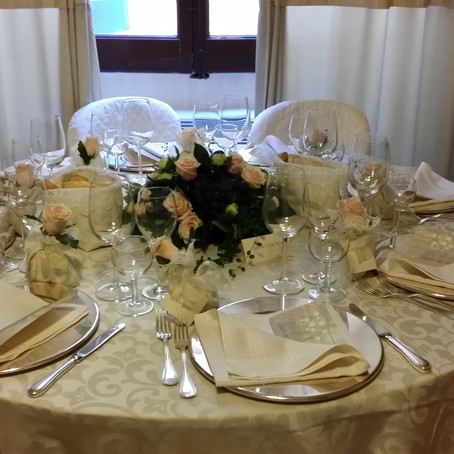 How to organize a small event at home