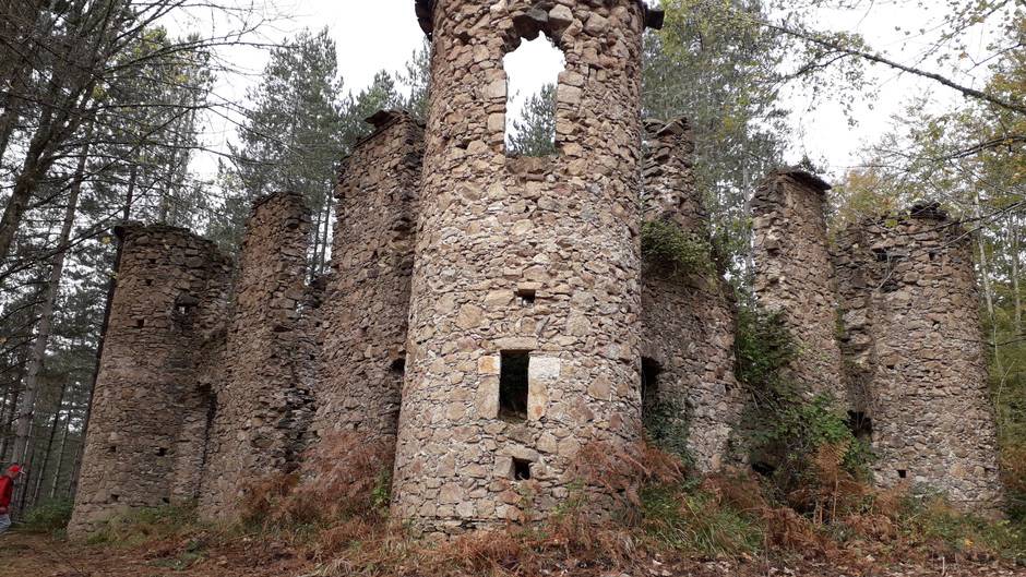 The castle in the woods and the dark legend of Baronessa Scoppa