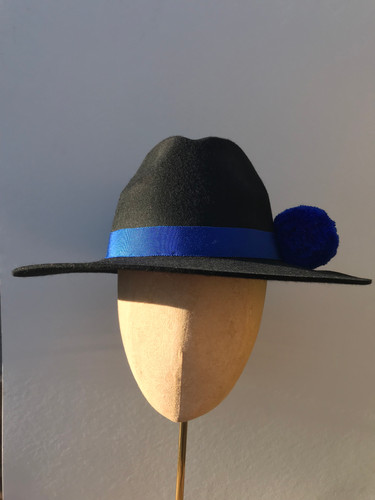 1367e2e1653851 Feather & Bloom. Affordable headwear, UK