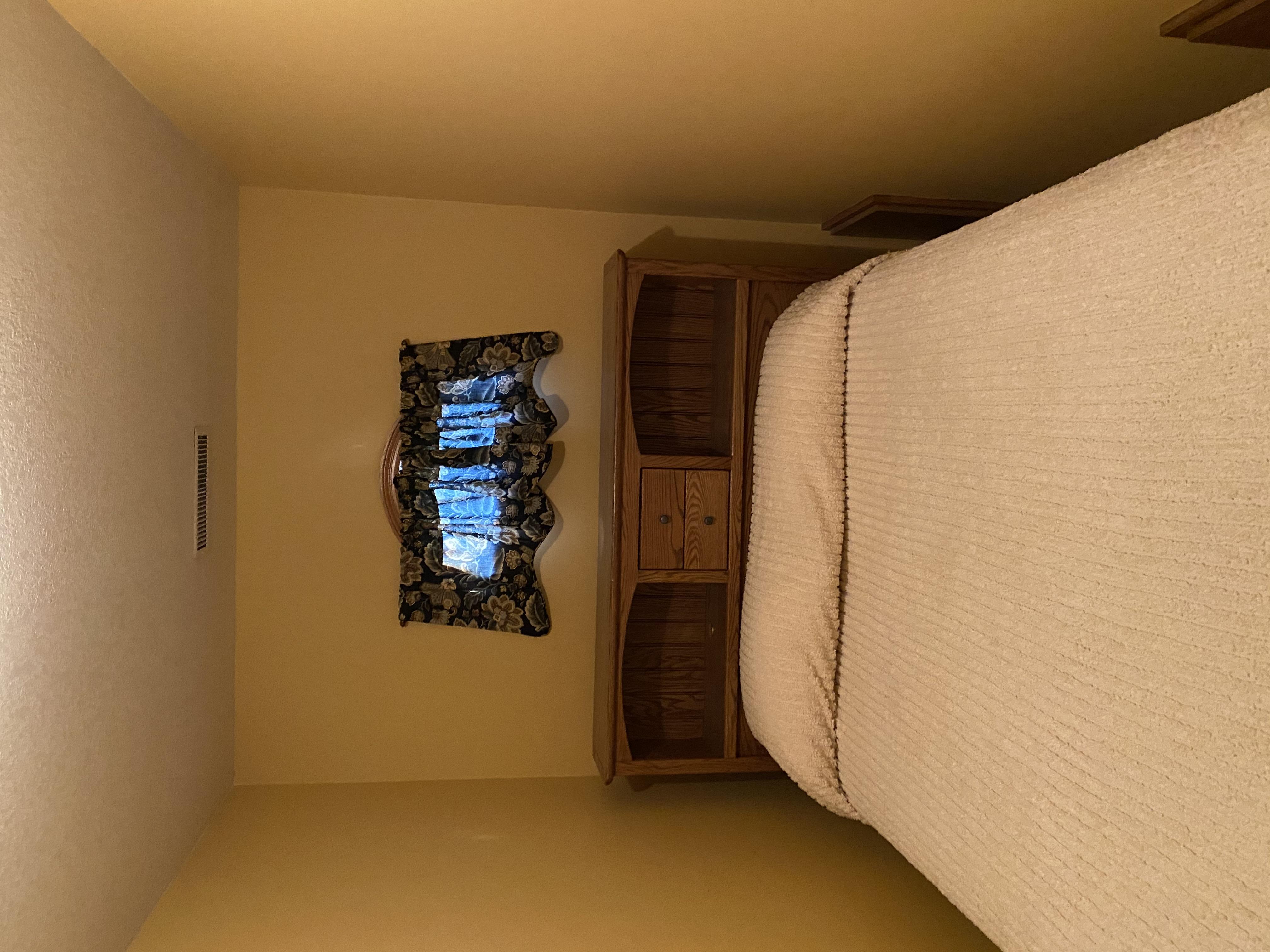 2058 HIllside Ave Mondamin bedroom9