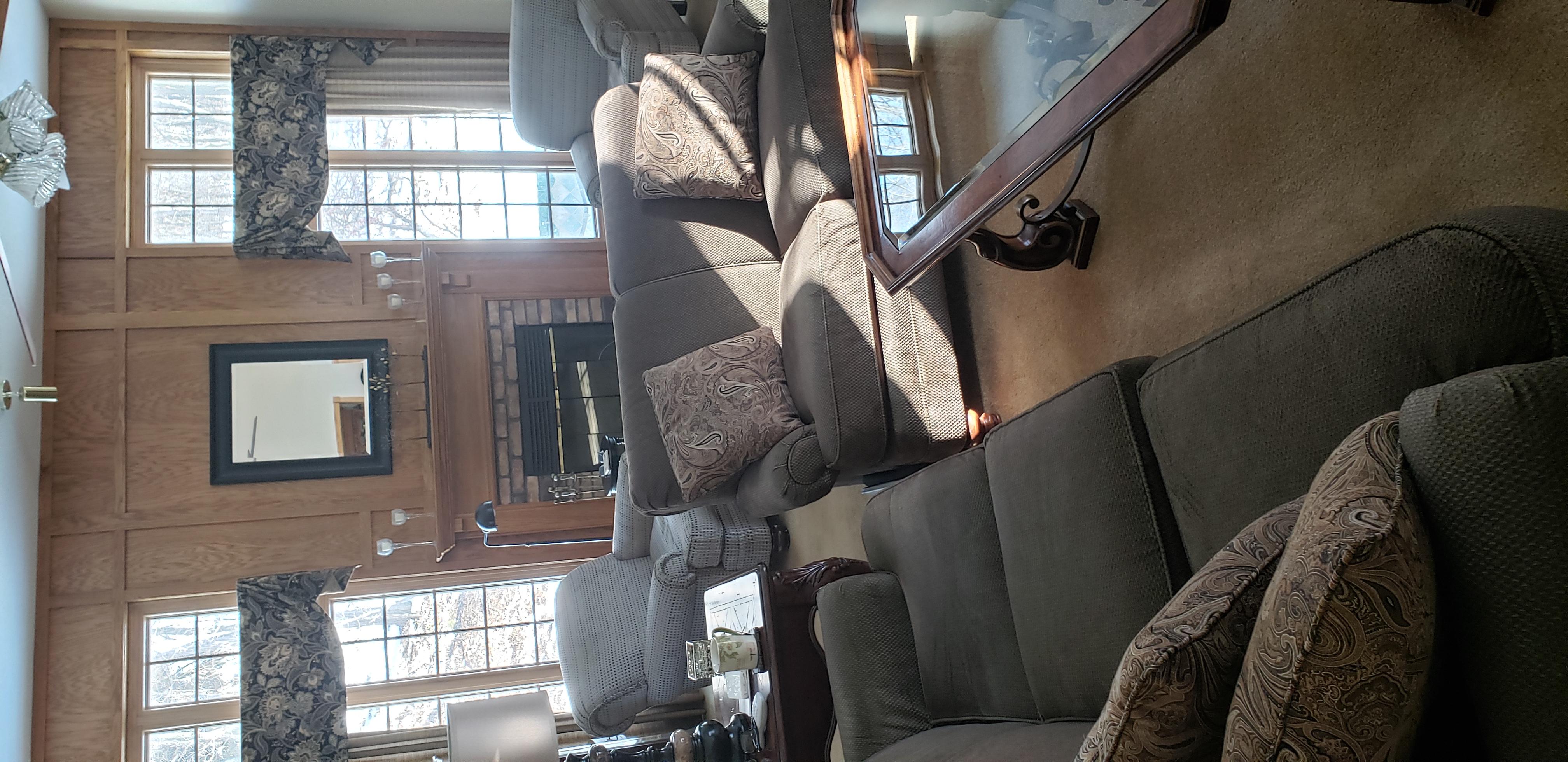 2058 HIllside Ave Mondamin livingroom1