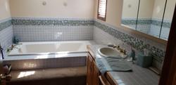 2058 HIllside Ave Mondamin bathroom1