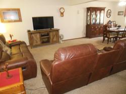 506 Ely Woodbine Living room