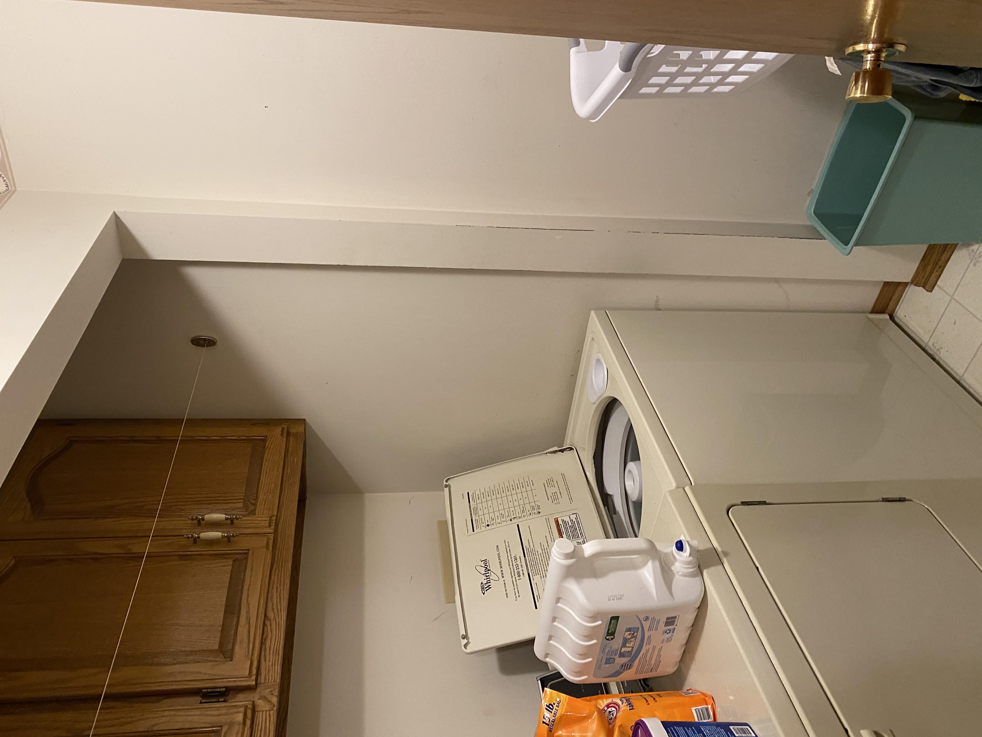 2058 HIllside Ave Mondamin laundry1