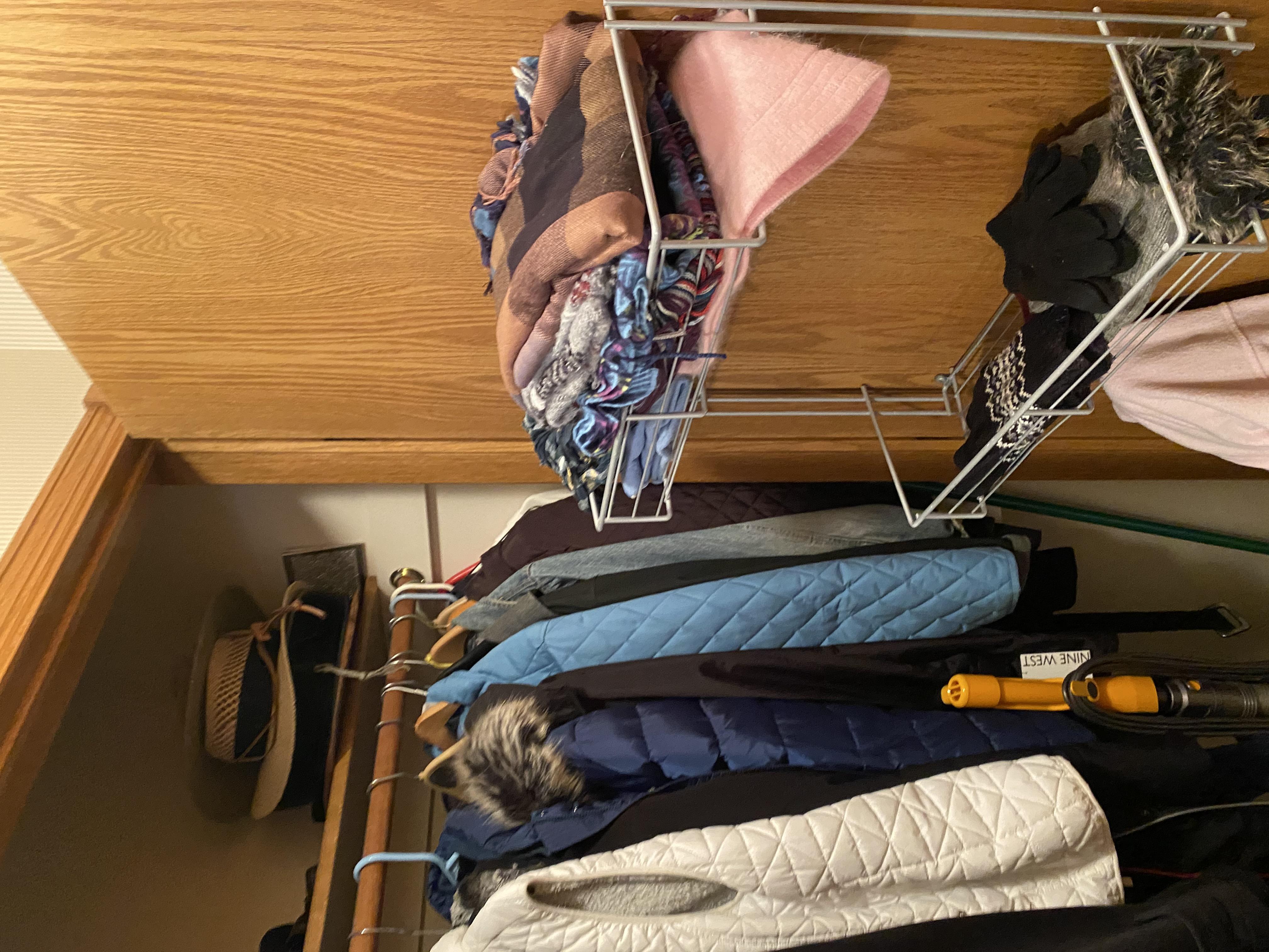 2058 HIllside Ave Mondamin closet2