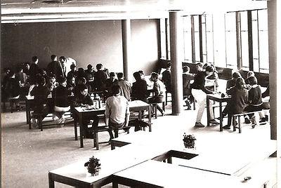 (132)1967_4_2_Centre_UCPA_Les_Marquisats