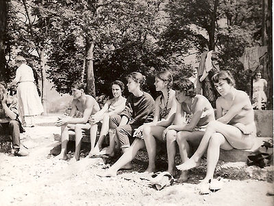 (82)1957 Annecy Bout du Lac (cred. M.Mar