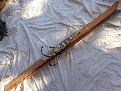 80 Paire de skis, coll. Alain Coduri.JPG