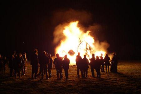 bonfire_party1.jpg