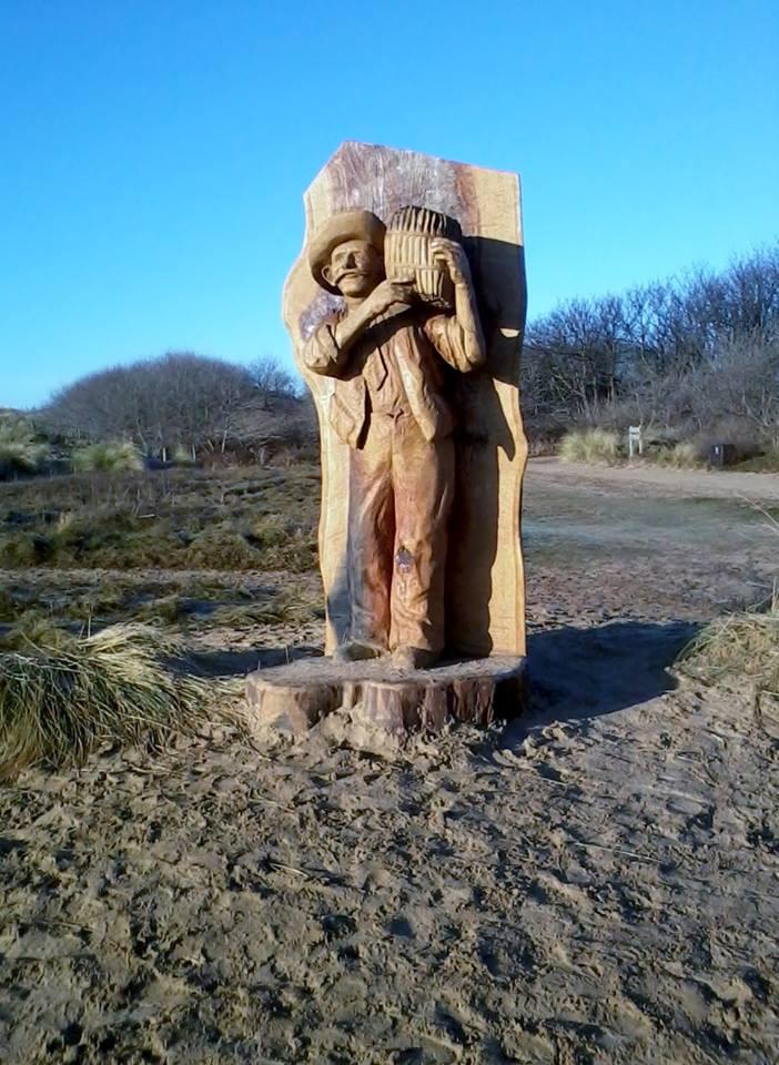 Jimmy Lowe wooden sculpture.jpg