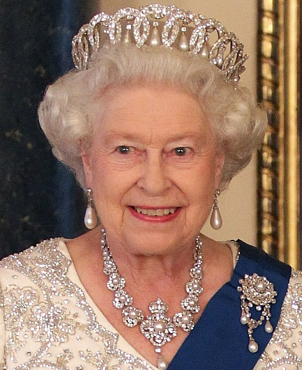 queen-elizabeth-ii-tiara-2.jpg