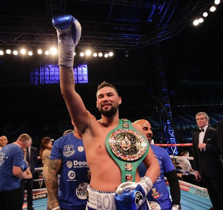 World Champion Boxer Tony Bellew joins a host of other stars for the Formby Golf Club Legends Tour