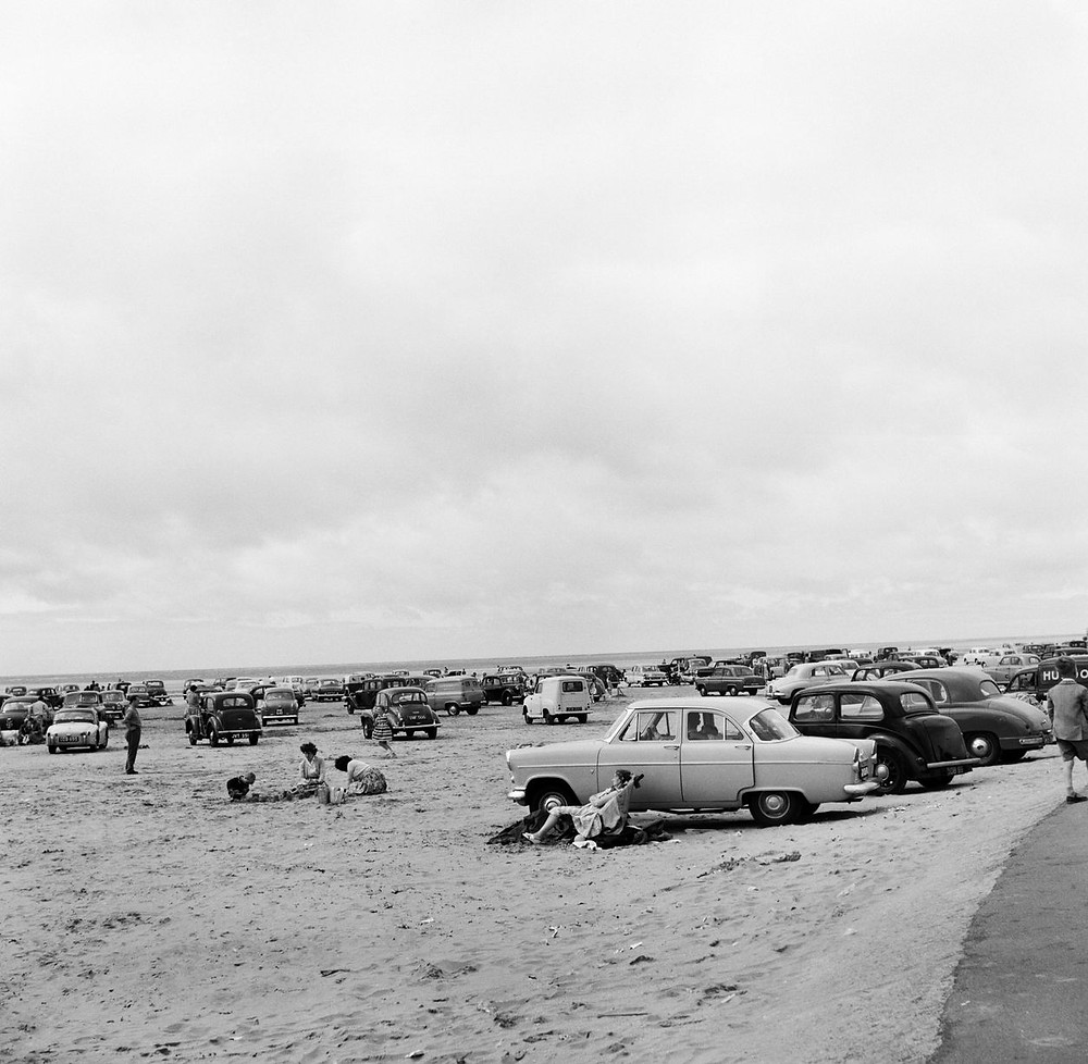 Holidaymakers and their cars on Southport Beach on 5th August 1959.jpg