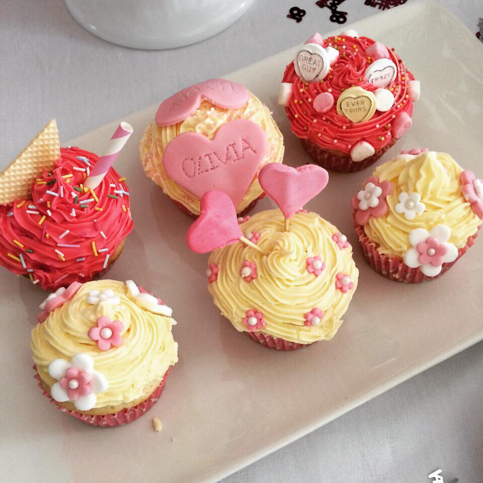 Cupcakes - A moment on the lips.jpg