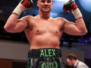 Formby Boxer Alex Dickinson made a flawless start to his professional career in 2017