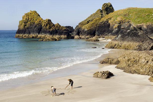 Kynance-Cove-Cornwall-National-Trust-Images-John-MillarJPG.jpg