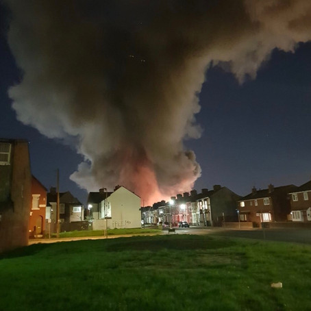 Factory/Warehouse fire in Bootle causes huge smoke plume