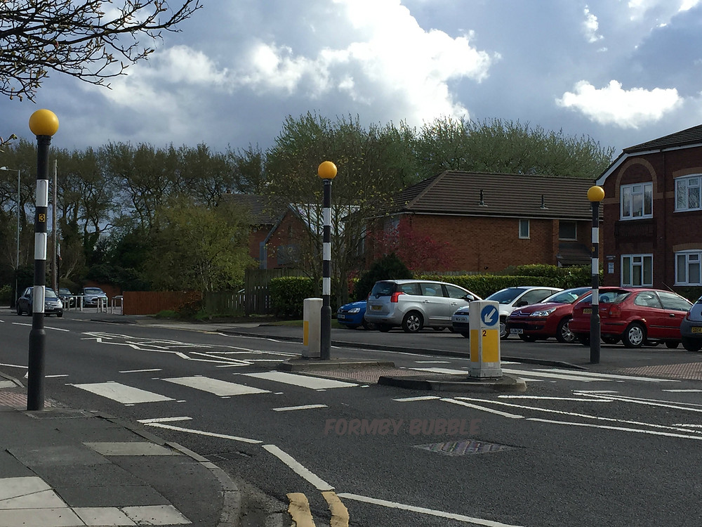 Level Crossing on Church Road.jpg