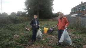 MP and Councillor clear up Deyes Lane filling several bags of rubbish