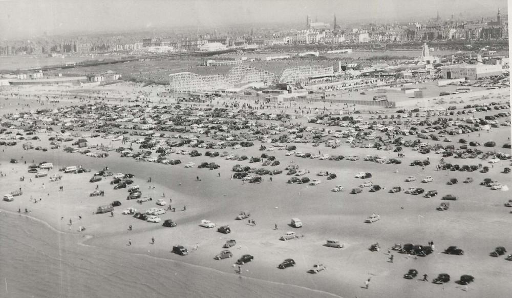 Southport Beach and Pleasureland on 18th April 1960.jpg
