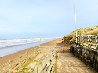 Good Morning on this largely dry day with Sunny spells and patchy drizzle across Formby