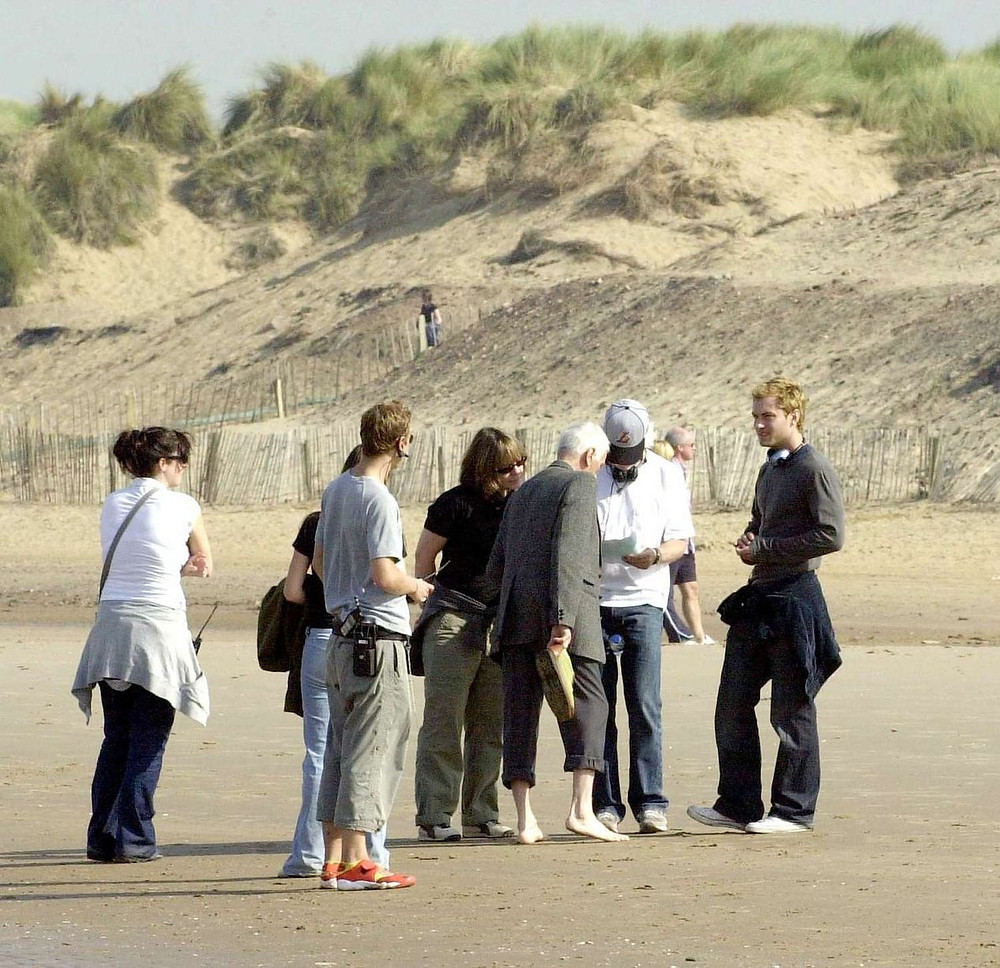 Actor Jude Law (Far right) filming on Formby Beach with the film crew of Alfie 2.jpg