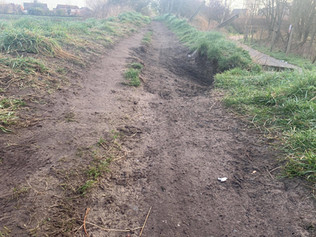 Footpath collapsed on Hoggs Hill Lane in Formby but who is responsible for the path?