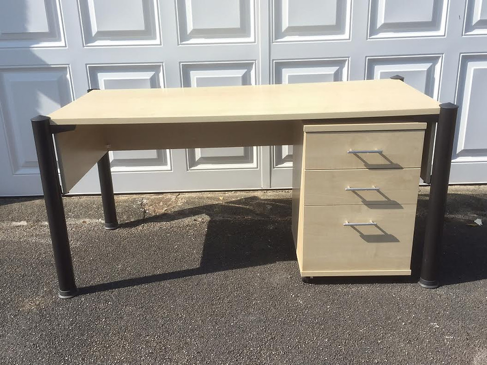 Desk for sale.jpg