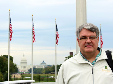 Rick and Washington Monument - 2.JPG