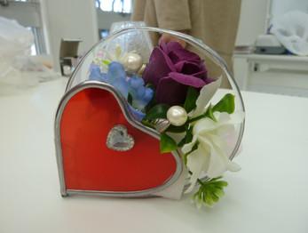 生徒さんの作品です。1月はバレンタインの飾りをつくりました!