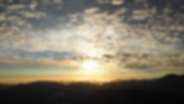 Ressoucement à Vallisis Quillan stages Languedoc-Roussillon sources sérénité nature pure vacances harmonie danse location dôme géodésique stages artistiques spirituels argile immersion nature retraites sérénité, sources, lumière, respiration, expiration, chant des voyelles, gaiayoga