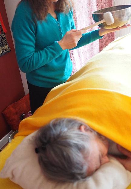 Ressoucement à Vallisis Quillan stages Languedoc-Roussillon sources sérénité nature pure vacances harmonie danse location dôme géodésique stages artistiques spirituels argile immersion nature, massage sonore, concert bols, bien-être, sonologie