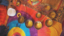 Ressoucement à Vallisis Quillan stages Languedoc-Roussillon sources sérénité nature pure vacances harmonie danse location dôme géodésique stages artistiques spirituels argile immersion nature, soins sonologie, soin bols chantants, bien-être, massage sonore, méditation sonore, chant des voyelles, gaiayoga