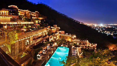 Facade_Premises,_Neemrana_Fort_Palace_3,