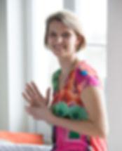Frédérique Vandooren stretching postural