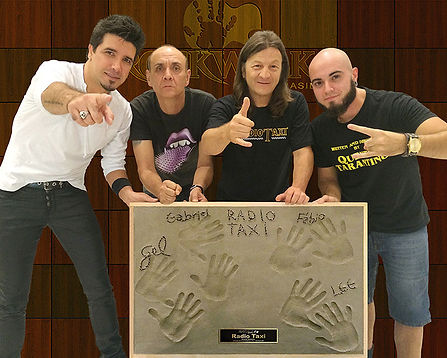 radio-web1.jpg