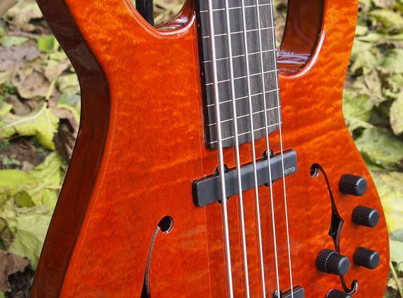 semi-hollowelectric bass (6).jpg