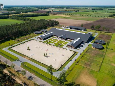 Bekijk de foto's en video van de realisatie van Travers Horse Facility in Kronenberg