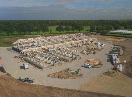 Start bouw uitbreiding Stal Hendrix in Kessel