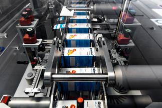 Indústria - sistema de produção e embalamento em farmacêutica