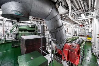 Indústria - casa de máquinas de navio